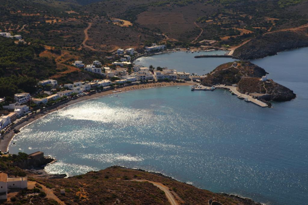 http://www.sullealidelleone.com/wp-content/uploads/2012/05/cerigo_baia_da-fortezza.jpg